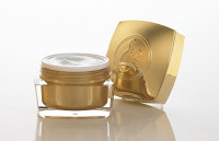 Get an Elizabeth Grant's Biocollasis Advanced Cellular Eye Cream When you Book on Lifebooker.com in April
