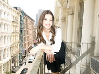 Beauty Tips from Blogger/Dating Columnist/Former Star Editor-at-Large/Talking Head Extraordinaire, Julia Allison