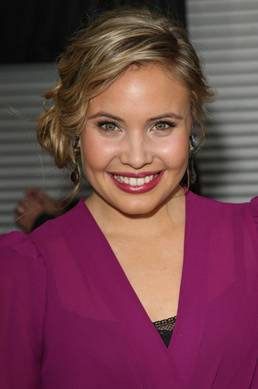 Get the Look: Leah Pipes at the Premiere of Sorority Row