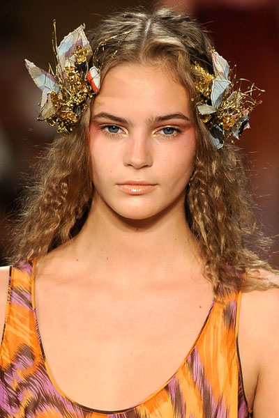 Backstage Beauty at Diane Von Furstenberg: Fashion Week Spring 2010