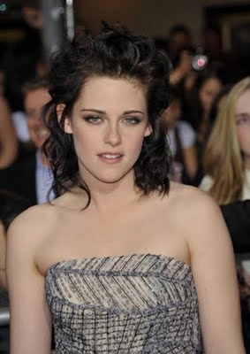 Get Kristen Stewart's Makeup Look at The Twilight Saga: New Moon Premiere