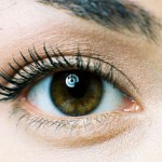 Best Beauty Blogger Mascara Tips from Glamour.com