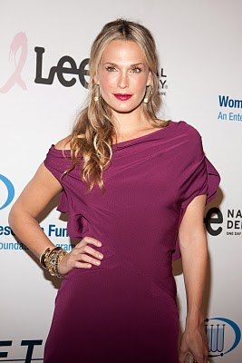 Molly Sims Wears NARS Orgasm Illuminator