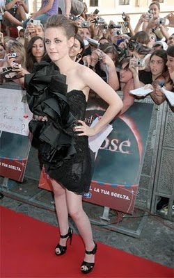 Kristen Stewart Wears Marchesa Dress to Rome Premiere of Eclipse