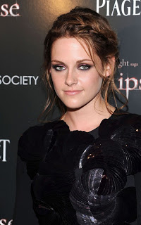 Kristen Stewart Dyes Her Hair Strawberry Blonde