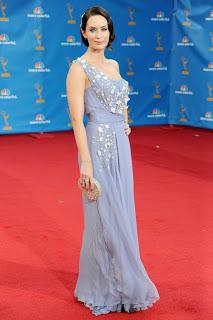 Primetime Emmys 2010 Beauty: Emily Blunt