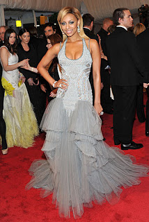 Keri Hilson Goes Blonde For The MET Ball 2011!