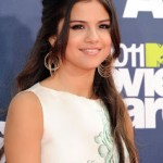 Get The Look: Selena Gomez At The 2011 MTV Movie Awards