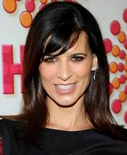 2011 Emmys Beauty: Perrey Reeves