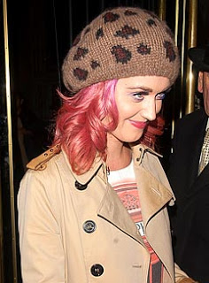 Katy Perry Dyes Her Hair Pink!
