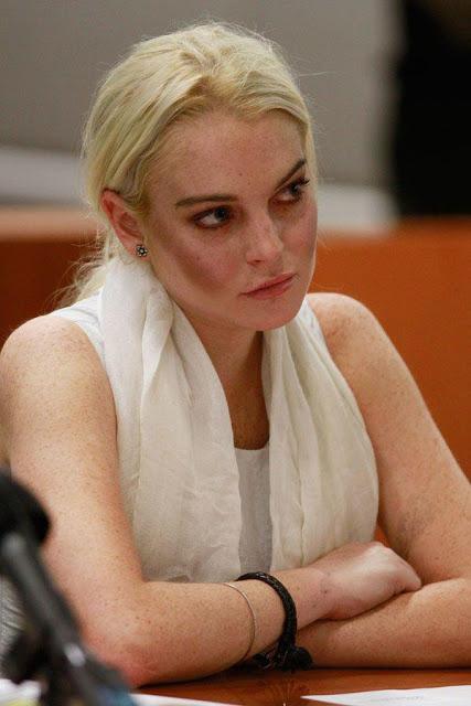 Lindsay Lohan's Fakakta Makeup