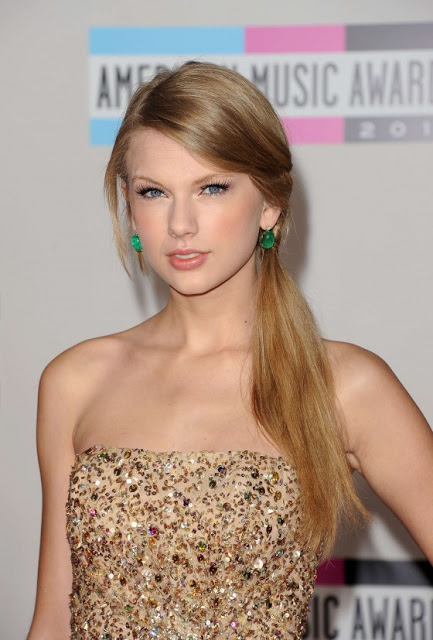 Get The Look Taylor Swift At The 2011 American Music Awards Rouge 18
