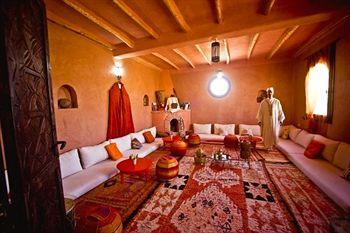 Travel blogging junkie atlas kasbah in agadir morocco for Morocco motors erie pa