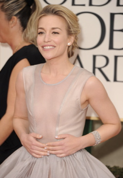 Golden Globes 2012 Makeup: Piper Perabo