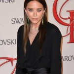 Mary Kate Olsen's A Brunette!