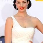 Jessica Pare's Makeup: Emmys 2012