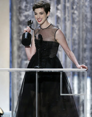 SAG Awards Makeup: Anne Hathaway