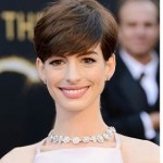 2013 Oscars Hairstyle: Anne Hathaway