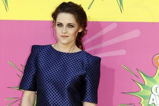Hairstyle: Kristen Stewart At The Kids' Choice Awards