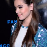 Hairstyle: Hailee Steinfeld's Braided Headband