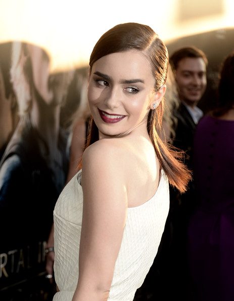 Hairstyle: Lily Collins At 'The Mortal Instrument' Premiere