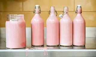 Liz Taylor Lashes, Pink Milk + How to Exfoliate: Destination Procrastination