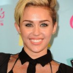 Makeup: Miley Cyrus 2013 Teen Choice Awards