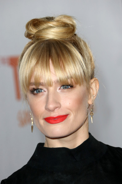 Get The Look: Beth Behrs' Hairstyle At 'TrevorLive'