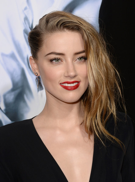 Hairstyle How-to: Amber Heard At The '3 Days To Kill' Premiere