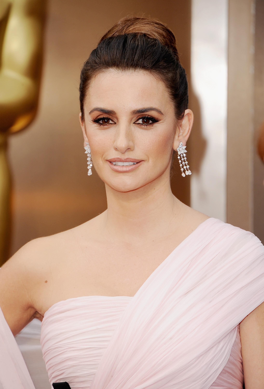 Oscars 2014 Makeup Penelope Cruz Rouge 18