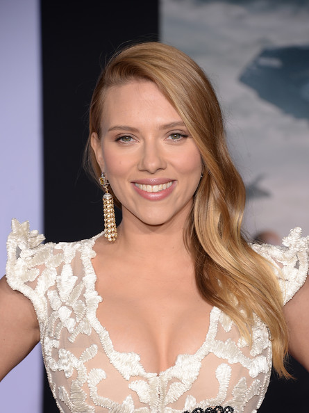 Get The Look: Scarlett Johansson's Makeup At The 'Marvel Captain America: The Winter Soldier' Premiere