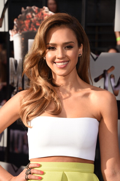 jessica-alba-hairstyle-mtv-movie-awards
