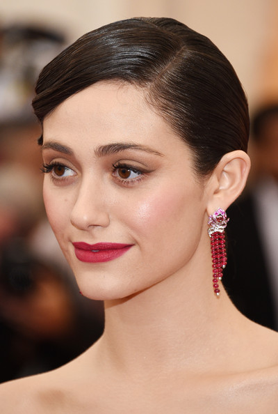 Emmy+Rossum+Red+Carpet+Arrivals+Met+Gala+Part+vzddFkoy_Irl