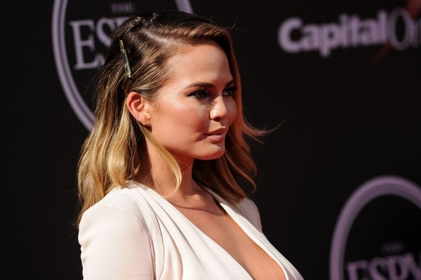 chrissy-teigen-espys-2014-makeup