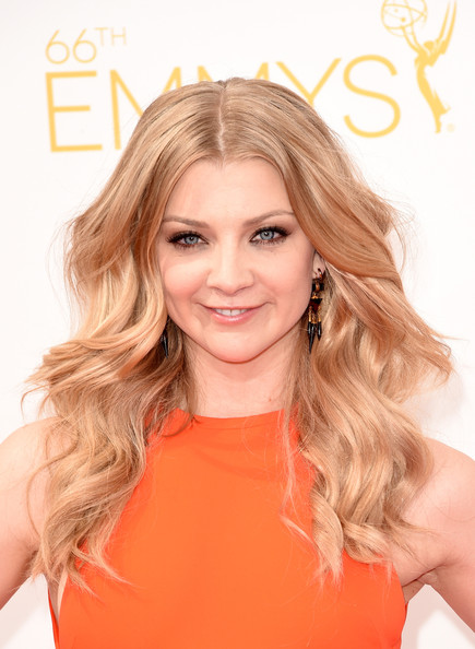 The Secret To Natalie Dormer's Makeup Game of Tones + Her '70s-Inspired Hairstyle