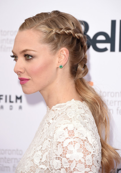 Amanda+Seyfried+While+Young+Premiere+Arrivals+W3edi9rYtQul