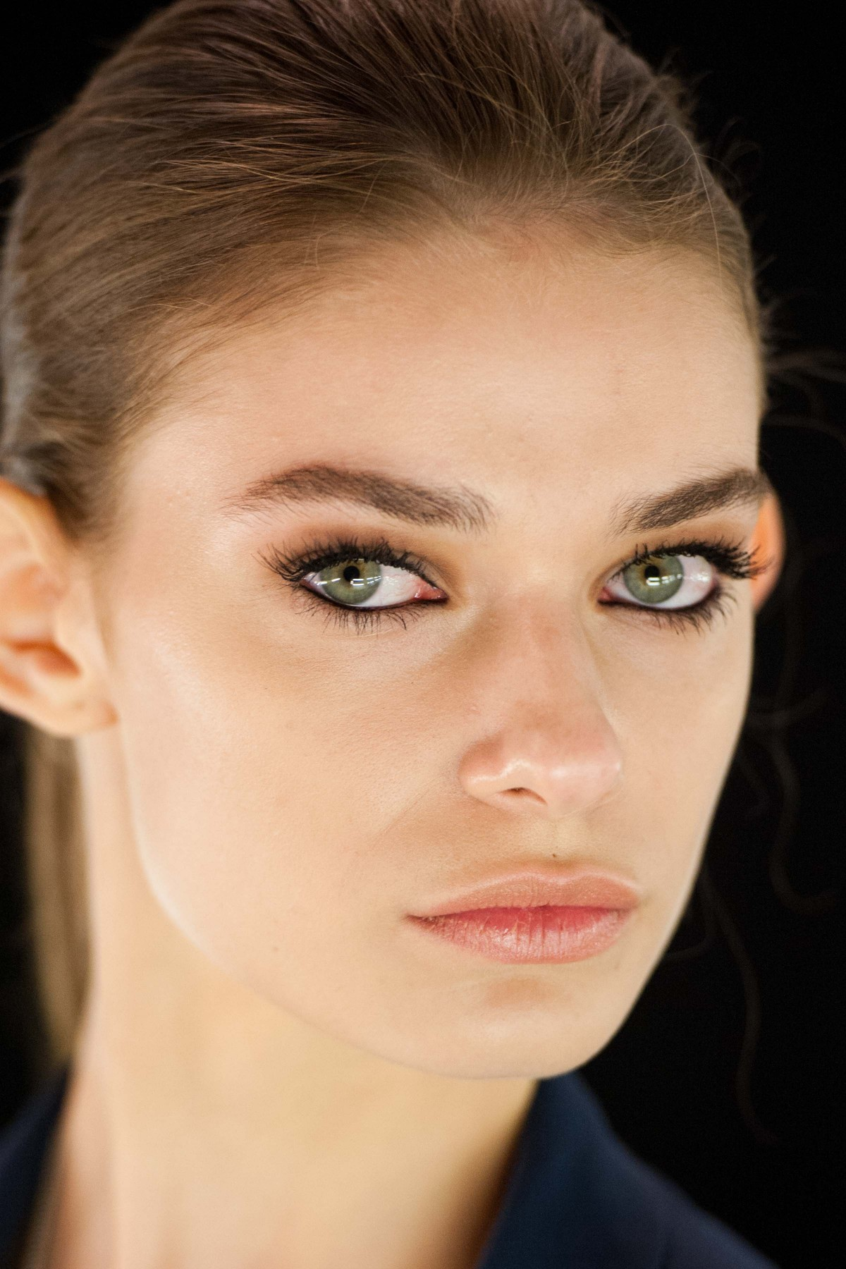 Get The Makeup & Nail Look: Avon For Dennis Basso