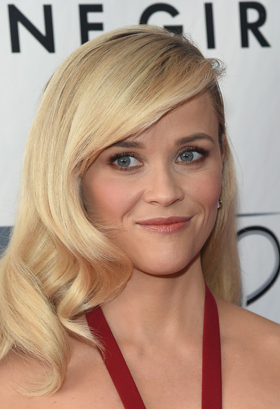 Score Reese Witherspoon's Old Hollywood Waves At The 'Gone Girl' Premiere