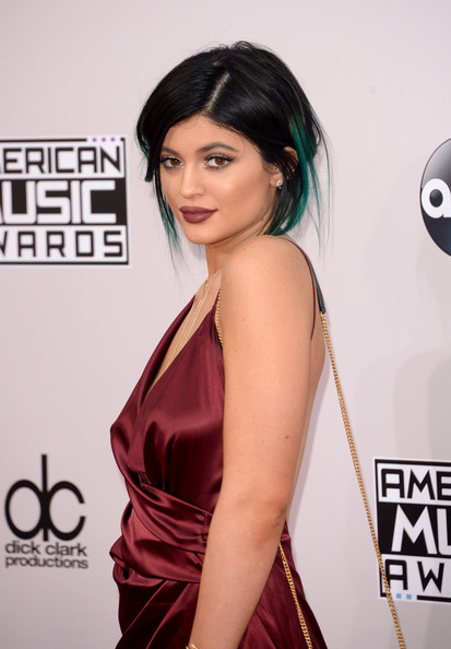 The Trick To Kylie Jenner's American Music Awards 2014 Makeup Look