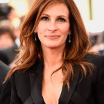 Julia Roberts' Smoked-out Lids & Nude Lip At The SAG Awards
