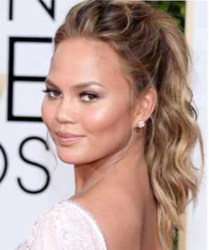 chrissy-teigen-golden-globes-ponytail-photo-2015