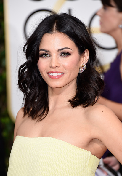 Steal Jenna Dewan Tatum's Beautiful Golden Globes Makeup Look