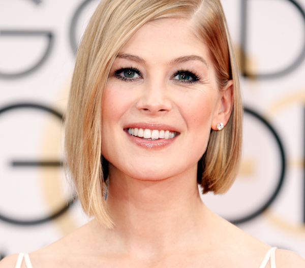 rosamund-pike-golden-globes-beauty-photo