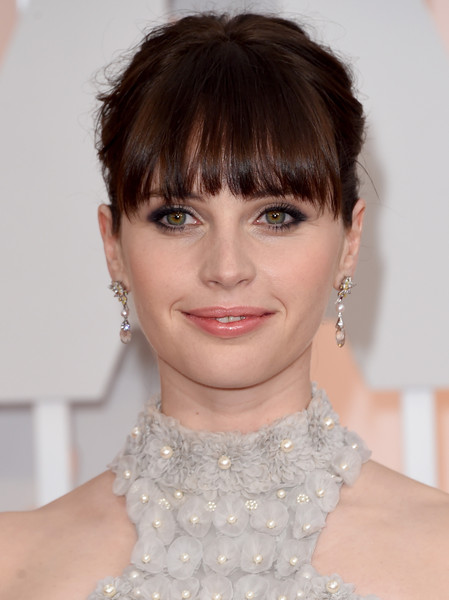 Felicity+Jones+Arrivals+87th+Annual+Academy+6bHuUbrUO5Hl