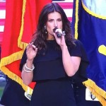 The Secret To Idina Menzel's Perfectly Nonchalant Beachy Waves You Need To Know Now