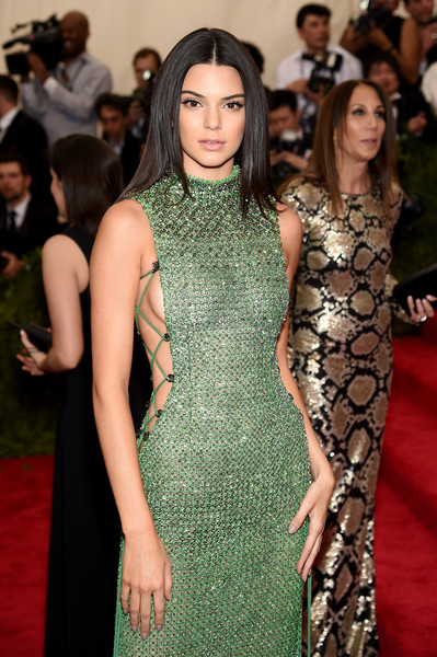 Kendall+Jenner+China+Through+Looking+Glass+H9nYI8erwj5l