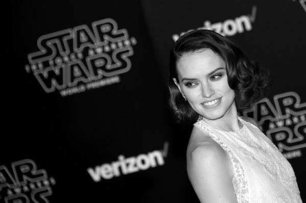 Steal 'Star Wars' Star Daisy Ridley's Life-changing Retro Curls