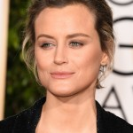The Trick To Taylor Schilling's Golden Globes 'Do