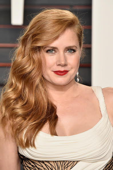 BEVERLY HILLS, CA - FEBRUARY 28:  Actress Amy Adams attends the 2016 Vanity Fair Oscar Party Hosted By Graydon Carter at the Wallis Annenberg Center for the Performing Arts on February 28, 2016 in Beverly Hills, California.  (Photo by Pascal Le Segretain/Getty Images)