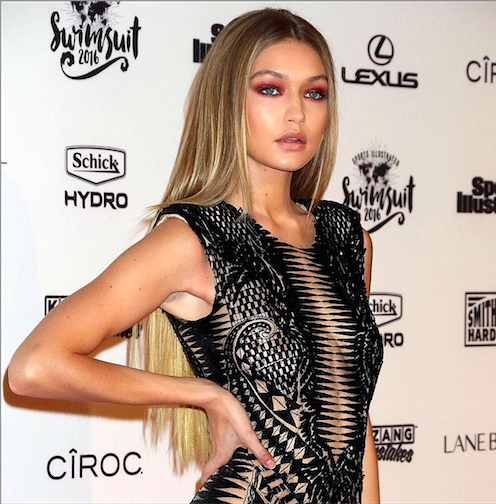 How To Recreate Gigi Hadid's Super Sultry '70s Hair And Vampy Eye Look